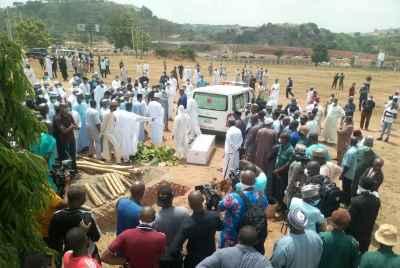 Sympathisers Defied Social distancing Rule at Abba Kyari's Burial Photo