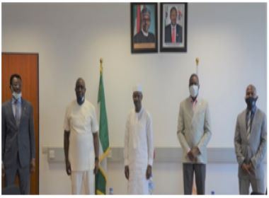 Magu and the Interpol officers Photo