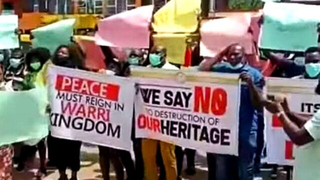 Itsekiri People Itsekiri People, marched on the Zone 5 Headquaters office of the Assistant Inspector General of Police in Benin City Photo
