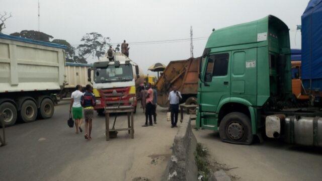 Youths Shut Down Nigeria's Industrial/Maritime Zone